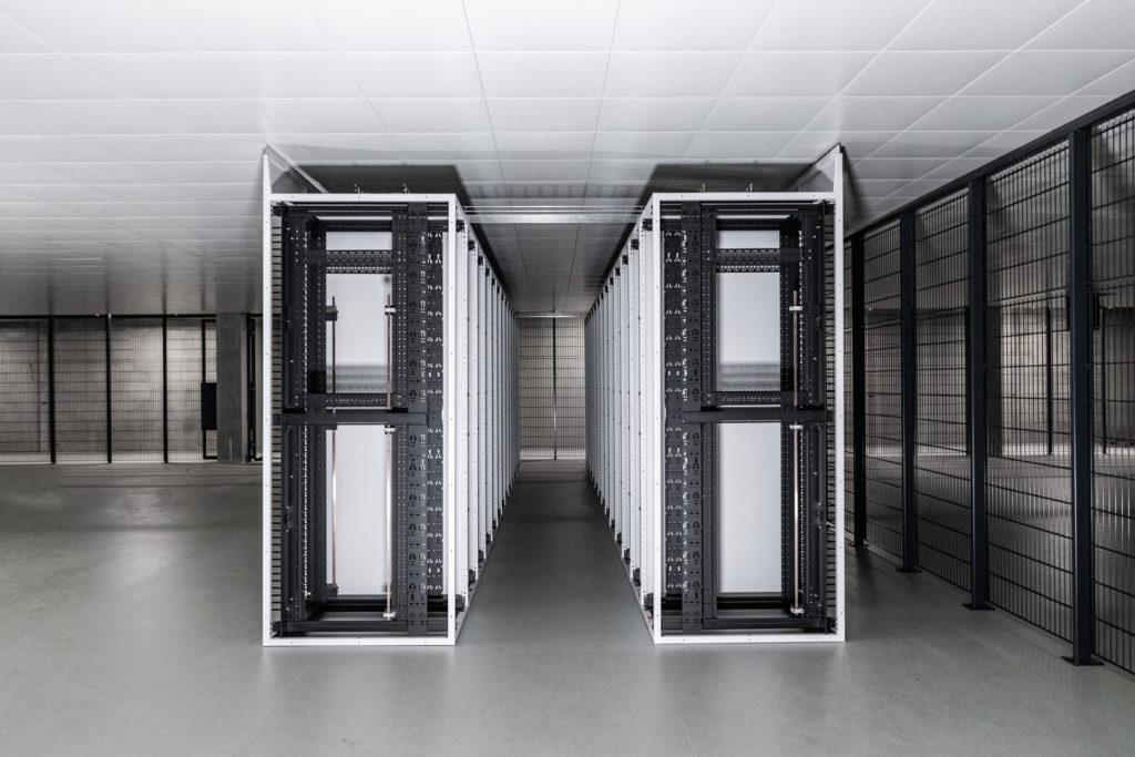 Stengel Serverschrank Aufbau Reihe