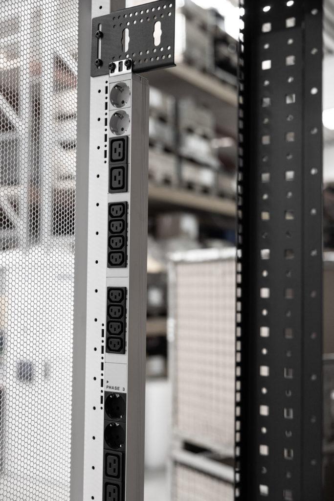 Stengel Serverschrank PDU Steckdosenleiste